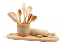 Home-and-Environment_Wooden-Kitchen-Utensils